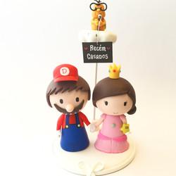 Cute-wedding-cake-topper-mario-peach-lakitu