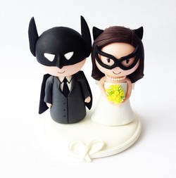wedding-cake-topper-batman-batgirl-2