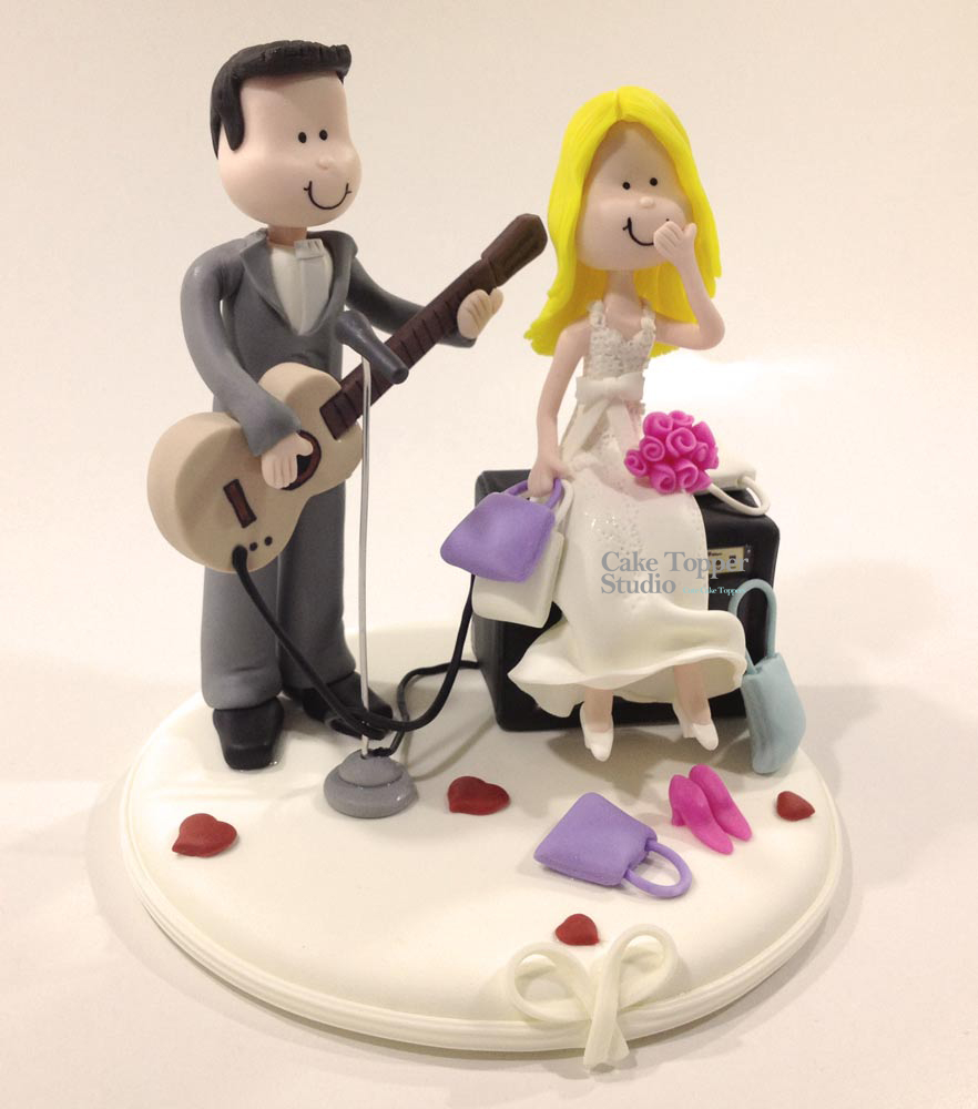 wedding-cake-topper-funny-playing-guitar_-_Cópia