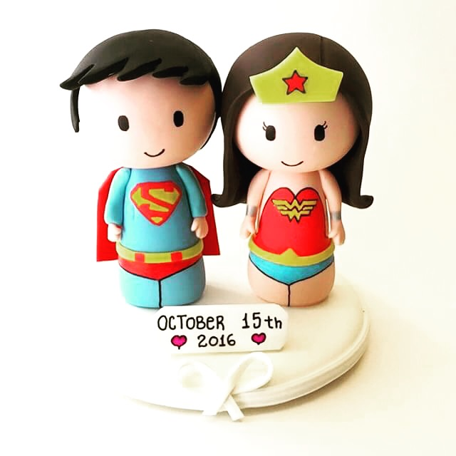 wedding_cake_topper_geek_superman_wonderwoman.JPG