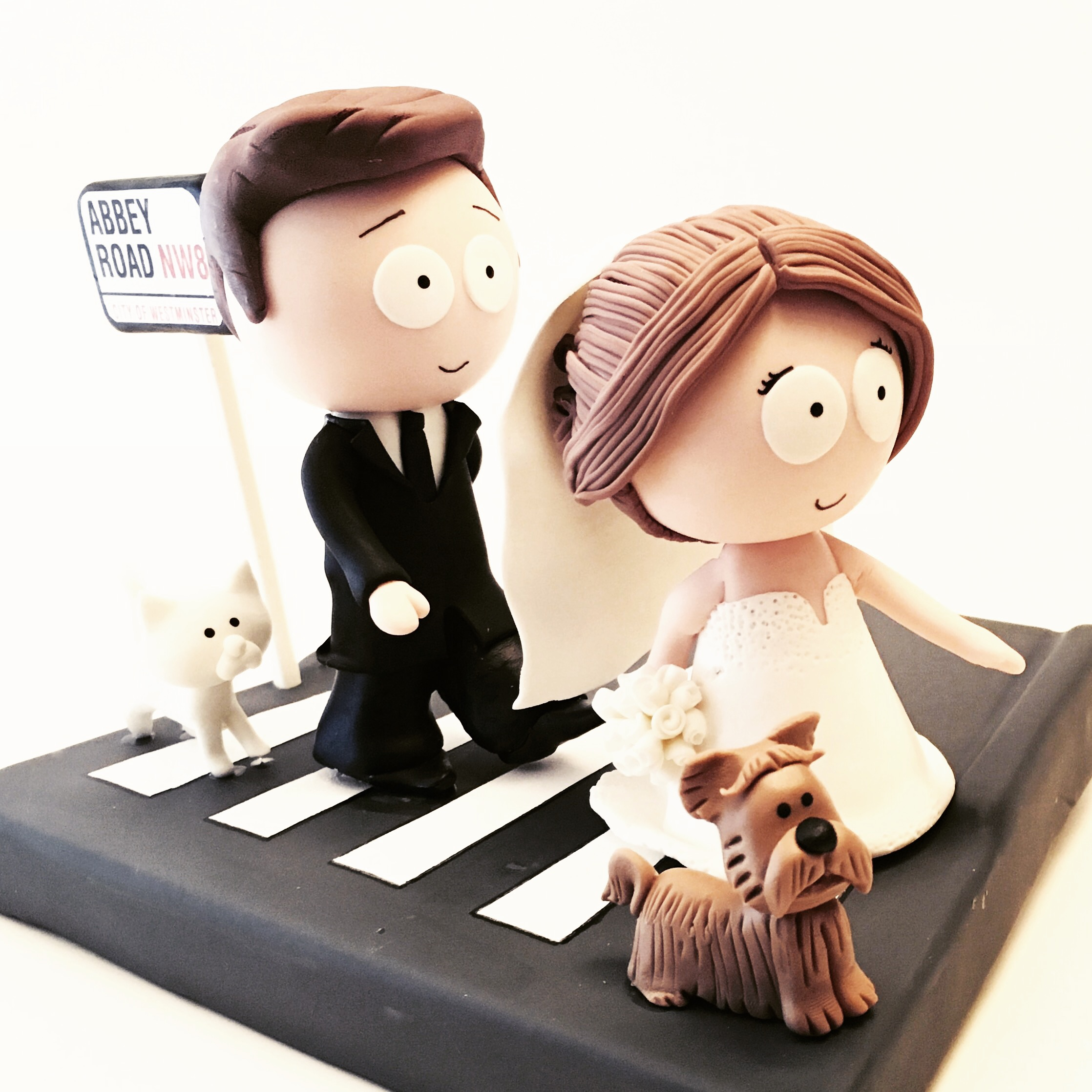 wedding-cake-topper-southstyle-abbey-road-beatles