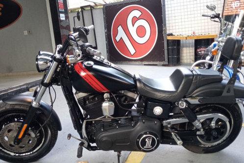 HD Harley Davidson Dyna Fat Bob 2014 Preta Fosca.