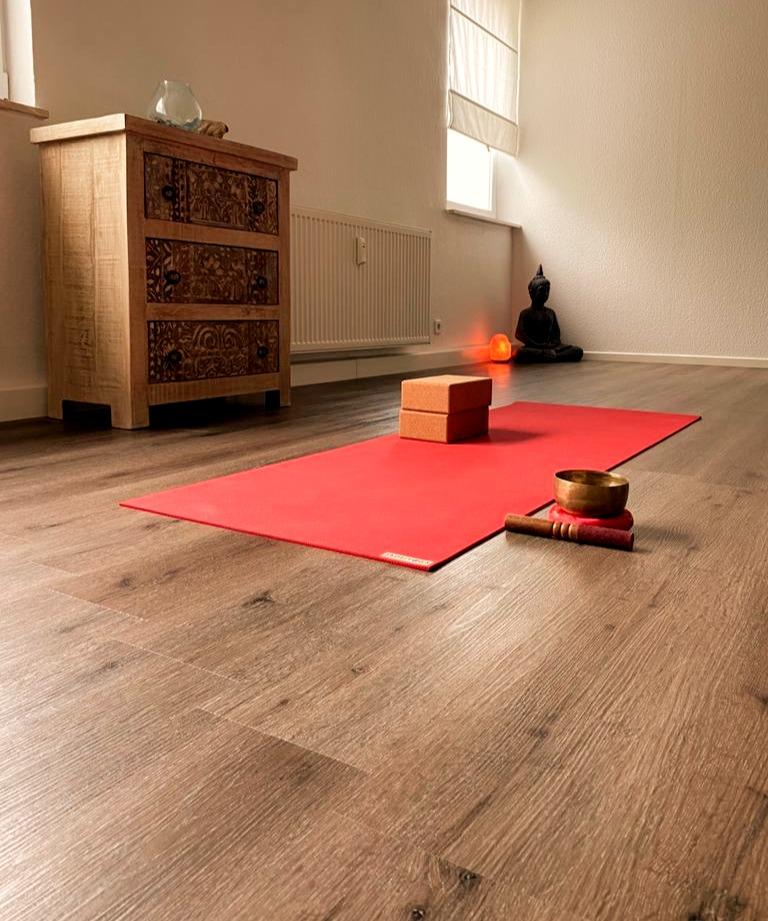 yoga mindful studio lich