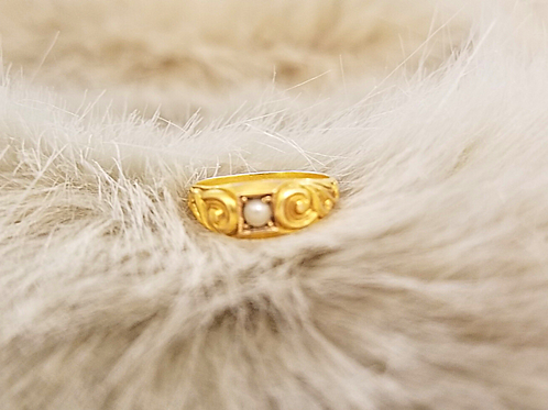 Pearl and Gold Pinkie Ring