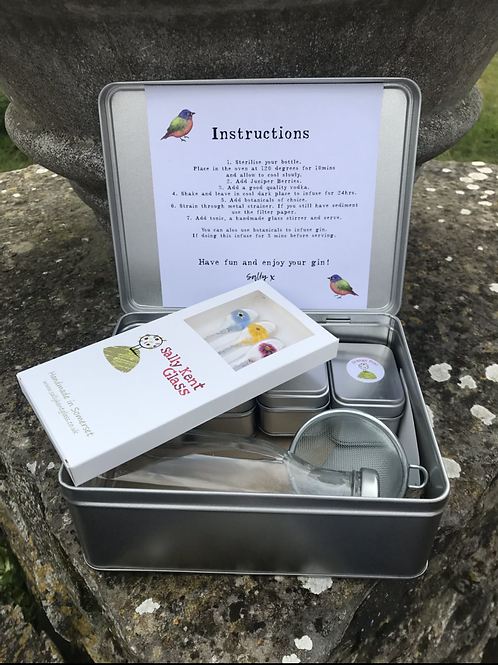 Gin Making Kit with Flower Gin Stirrers