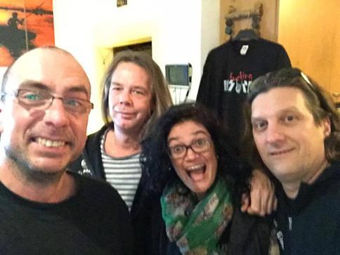 Blind Man's Gun trifft Radiomoderator Holger Moritz von Radio Henstedt-Ulzburg