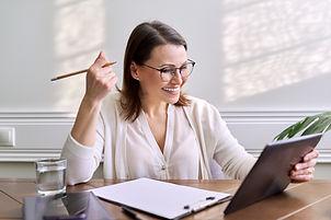 Online communication, consultation, trai