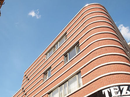 het herbouwen van een handelspand met appartementen