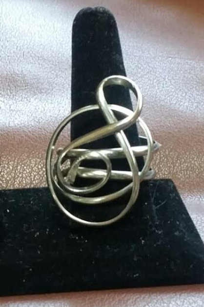 Abstract Musical symbol ring