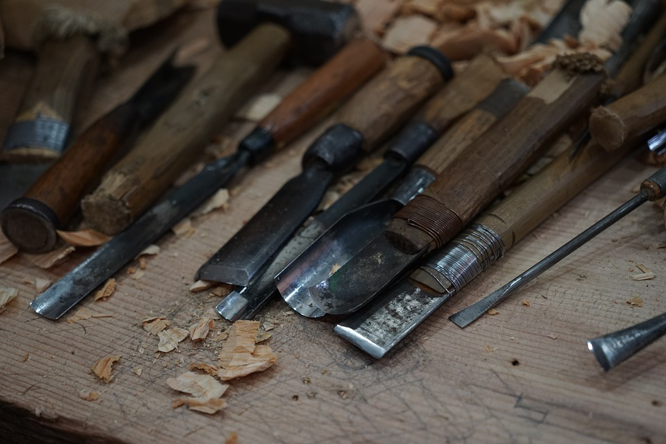 Tools carving