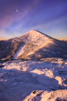 Sunrise and the Moon at Algonquin Peak