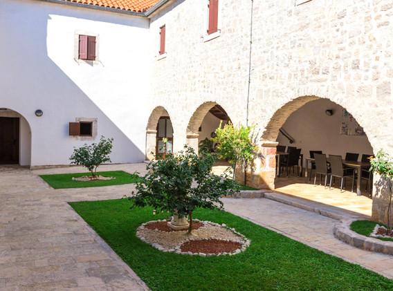 samostan-sv-jeronima06.jpg