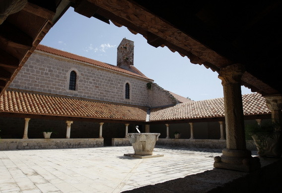 ugljan-030809samostan-i-crkva-sv-jeronim