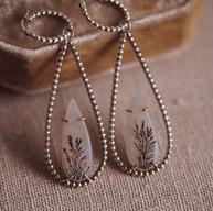 Zilveren oorbellen met dendriet agaat