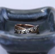 Witgouden ring met roodgoud en diamanten