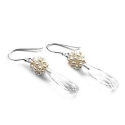 Zilveren oorbellen met parels en bergkristal druppels