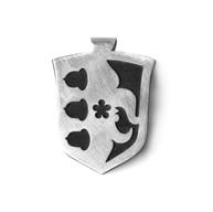Zilveren hanger met ebbenhout familiewapen