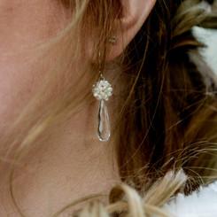 Oorbellen met parels en bergkristal druppels