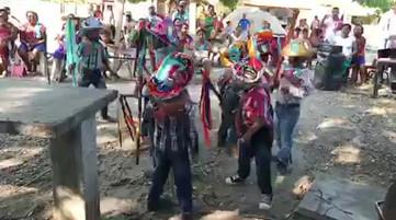 alumnos del Kínder Bernardo Mayren de Santo Domingo Armenta, Oaxaca.