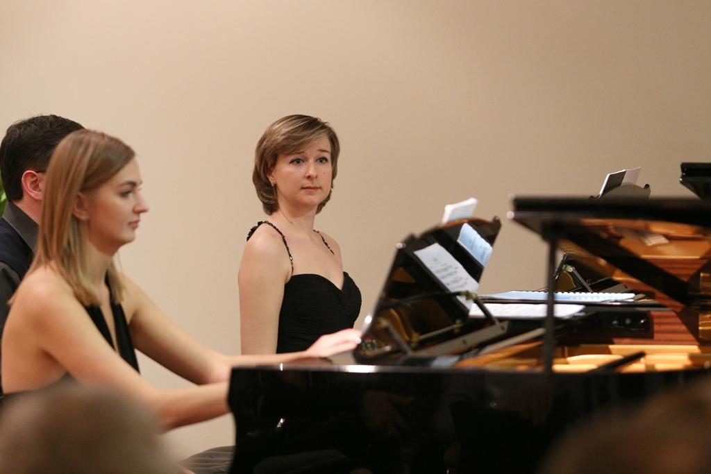 Елена Тарасова, Валерия Есауленко