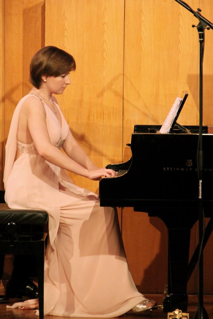 Е. Тарасова