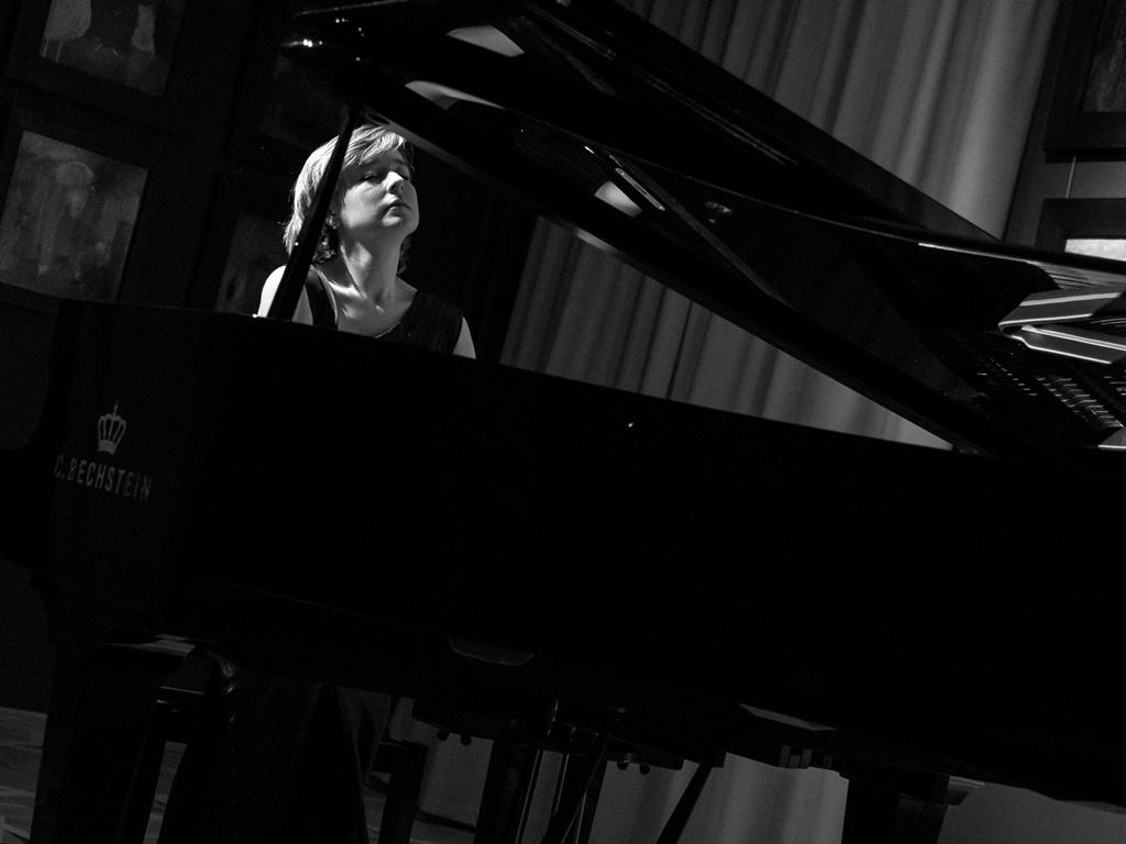 Елена Тарасова (фортепиано)