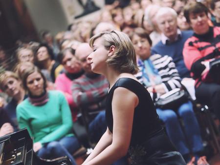 OPUS 2. Участники заключительной программы цикла: Елена Тарасова.