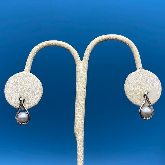 Sterling silver pierced earrings with pearl and cubic zirconia