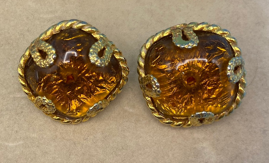 Clip on earrings-Signed Aurientis Dominique Made in Paris gold tone/amber tone