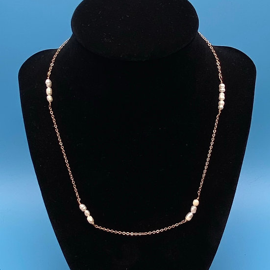 """Necklace- faux rose gold/pearls  length 17"""""""