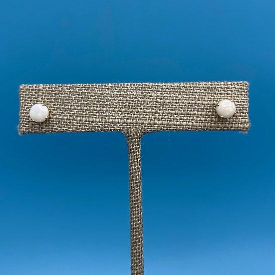 Earrings-pierced 14kt gold opal