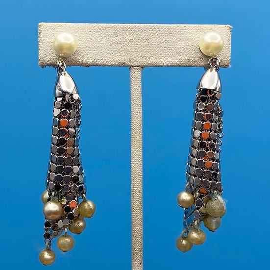 1980's silver mesh clip on earrings - hanging faux pearl.