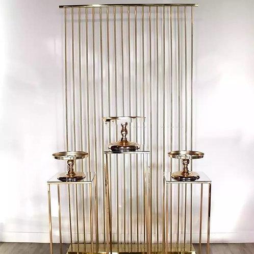 Gold wall & pedestals set