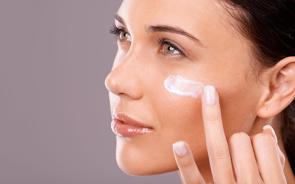 Makeup Face Primer Application
