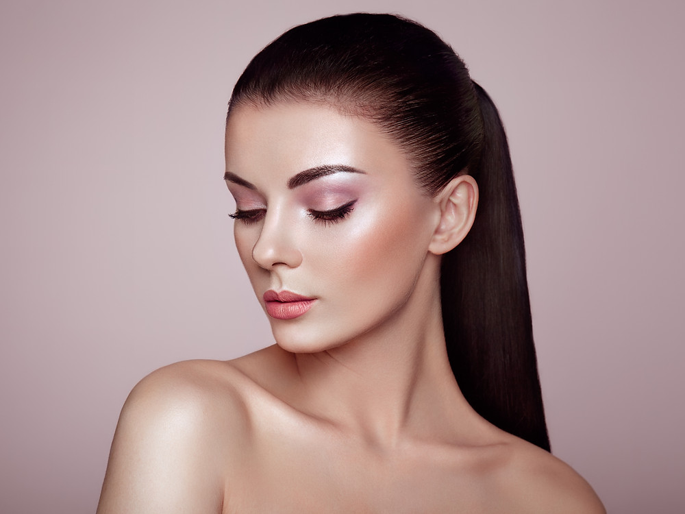 Highlighting Strobing Illuminating Makeup