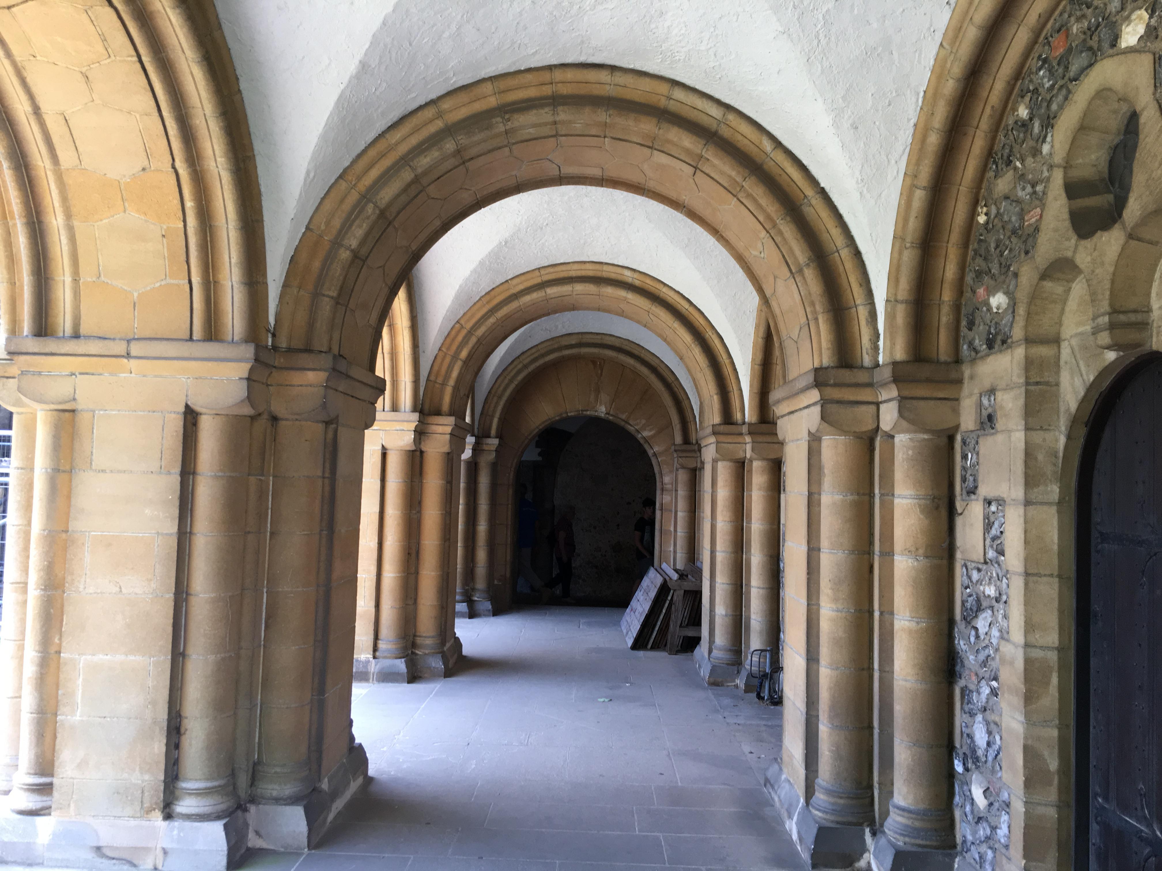 под сводами собора