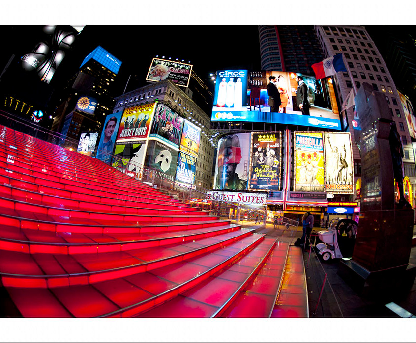 ESCADA_TIMES_SQUARE_NY_SITE