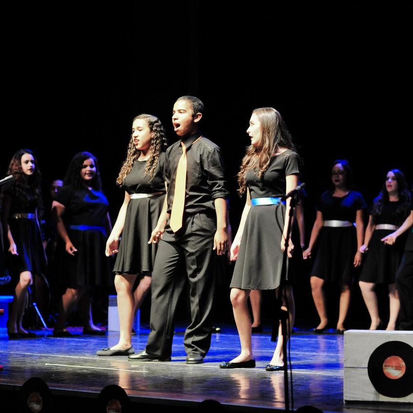 Solistas: Maurício, Camila e Nalanda