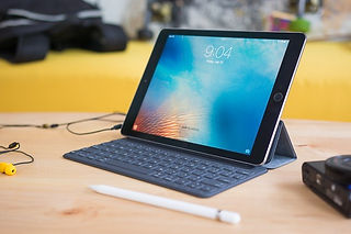 ipad-pro-keyboard-cases-1974-apple-smart