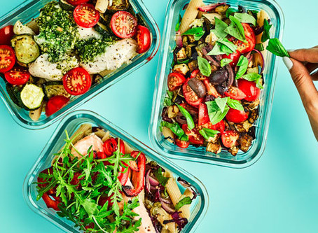Eating three meals a day is more useful for a figure than split meals
