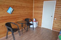 4 стульчика и кофейный столик
