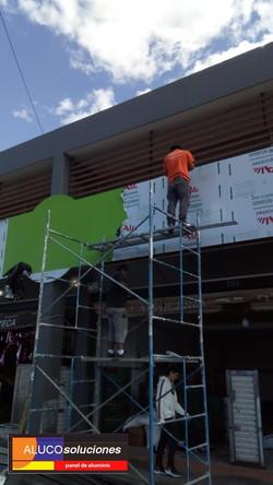Instalación de Panel de Aluminio para fachada