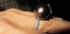 Tahitian Pearl White DIamond Gold RIng