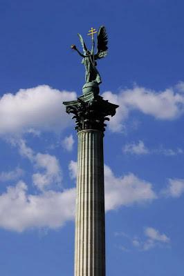 Millennium Column