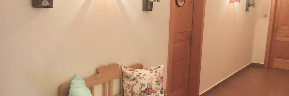Zimmergang 2.jpg