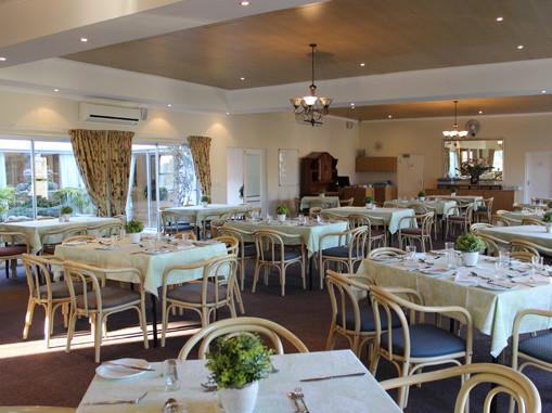 diningroom-oude-westhof-retirement-villa