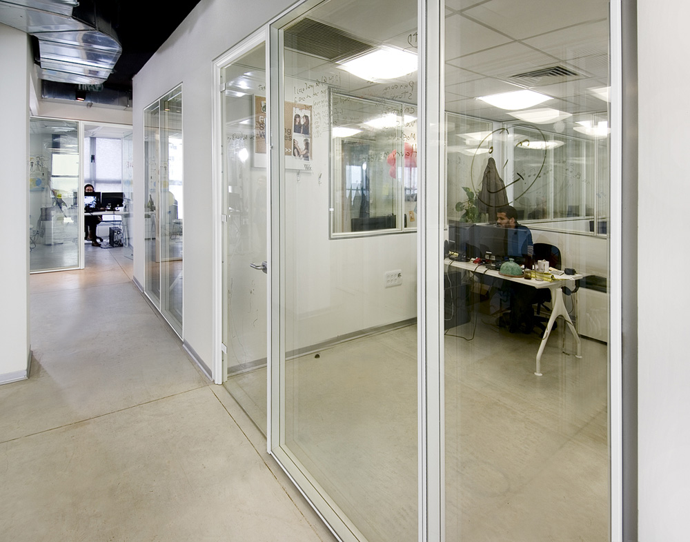 Double Glass Partition