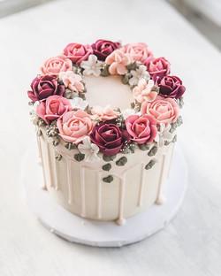 Bridal drip cake
