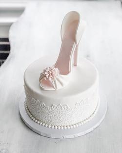 3D Edible shoe bridal shower cake