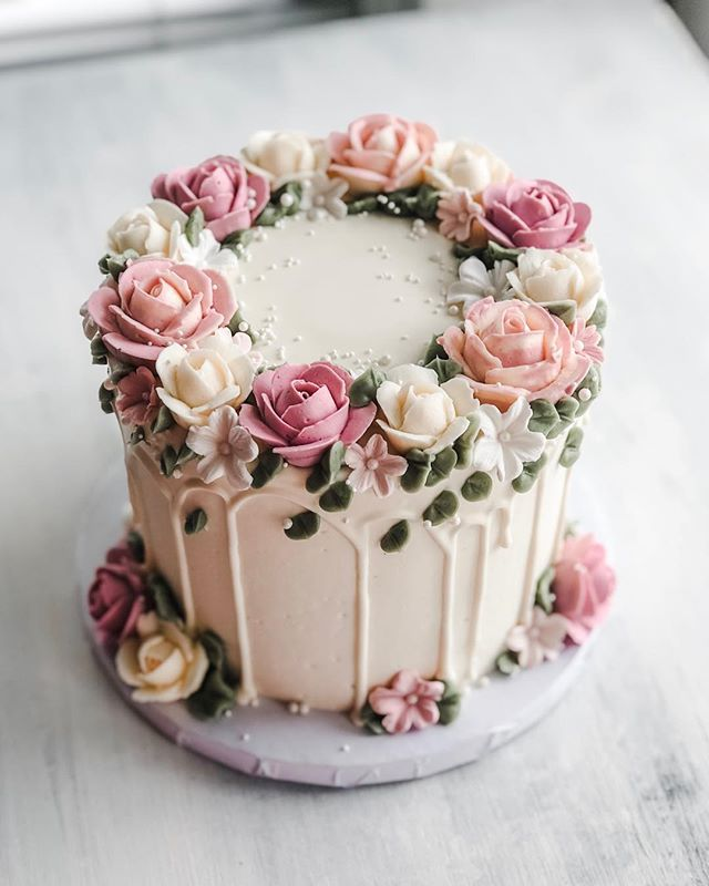Bridal drip cake with buttercream flowers